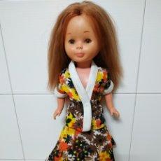 Reproduções Bonecas Espanholas: TRAJE CHAQUETA Y BOTAS PARA NANCY AÑOS 70. Lote 141595749