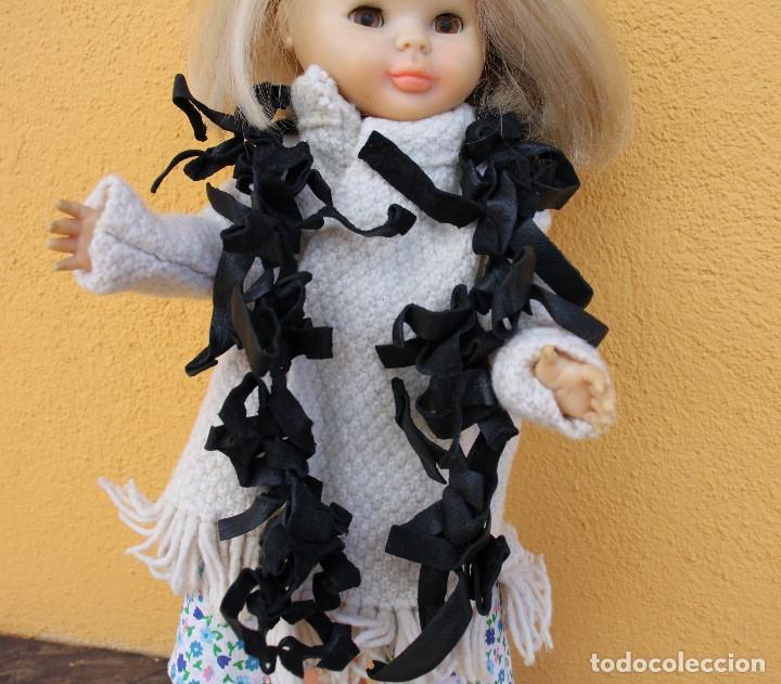 Reproducciones Muñecas Españolas: Boa negra de flecos de piel para Nancy - Foto 5 - 155805170