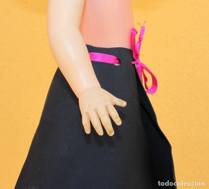 Reproducciones Muñecas Españolas: Falda cóctel en caucho para Nancy y libro firmado de M. J. Zapater - Foto 6 - 160143726