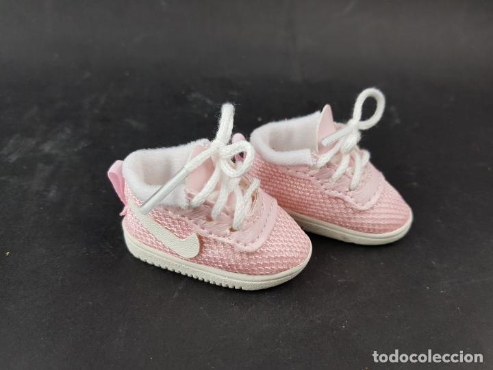 Usado, zapatillas deportivas nike para muñeca nancy paola reina les cheries - zapatos - rosas segunda mano