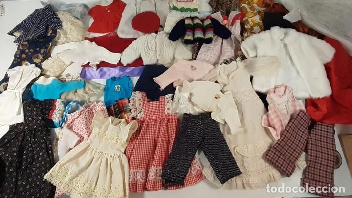 GRAN LOTE DE ROPA DE MUÑECAS +100 PRENDAS - VARIAS MARCAS (VER FOTOS) (Juguetes - Reproducciones Vestidos y Accesorios Muñeca Española Moderna)