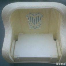 Reproducciones Muñecas Españolas: SOFA CAMA DE BARBIE - MATTEL - 1983. Lote 281027908