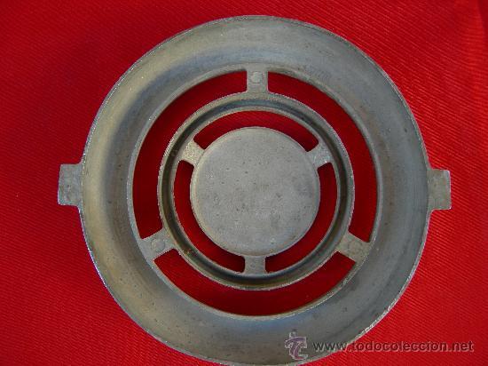 Coches y Motocicletas: EMBLEMA SEAT 600 - Foto 2 - 72741813
