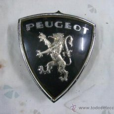 Coches y Motocicletas: ESCUDO DE PEUGEOT -ALUMINIO -ANAGRAMA. Lote 195387456