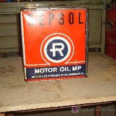 Coches y Motocicletas: LATA DE ACEITE REPSOL MOTOR OIL MP 5 LITROS.. Lote 24729542