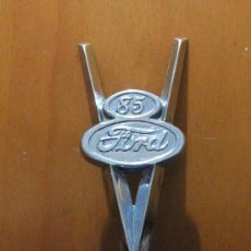 Coches y Motocicletas - Ornamento Insignia Emblema FORD V8 85 HP - del año 1935 - Excelente conservación! - - 28111231