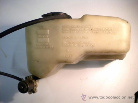 DEPÓSITO DE LIQUIDO LIMPIA CRISTALES CON MOTOR DE CHRYSLER VOYAGER 1992 (Coches y Motocicletas - Repuestos y Piezas (antiguos y clásicos))