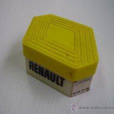 Coches y Motocicletas: CAJA DE BOMBILLAS AUTOMOVIL RENAULT ( R-14 - R-18). Lote 31287200