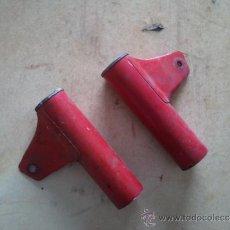 Coches y Motocicletas: OREJERAS PORTA FARO MOTO DERBI GT 4V. Lote 31576044
