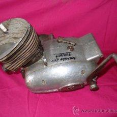 Coches y Motocicletas: MOTOR TRICICLO ISOCARRO 200, MOTOR GIRA BIEN.. Lote 34300748