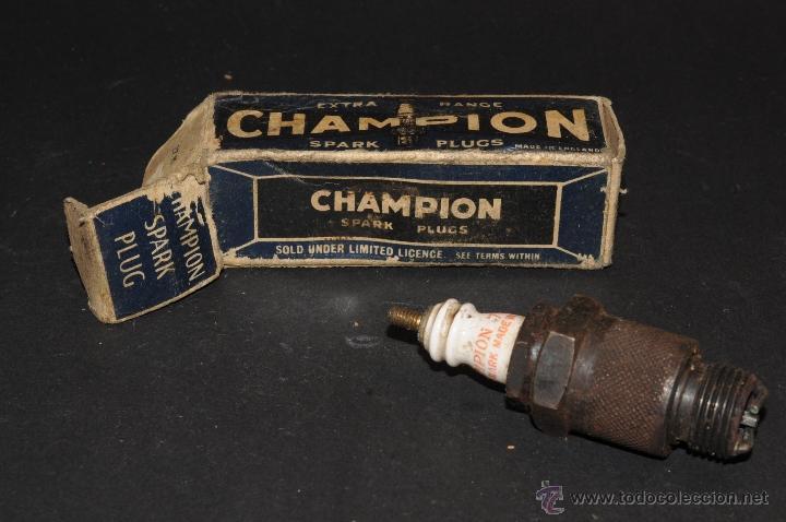 BUJIA CHAMPION SPARK PLUG 7-CON-D CON SU CAJA ORIGINAL (Coches y Motocicletas - Repuestos y Piezas (antiguos y clásicos))