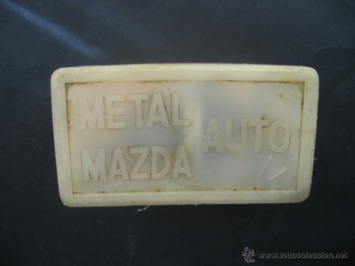 CAJA BOMBILLAS RECAMBIO METAL MAZDA.CITROEN C8.AÑOS 70. (Coches y Motocicletas - Repuestos y Piezas (antiguos y clásicos))