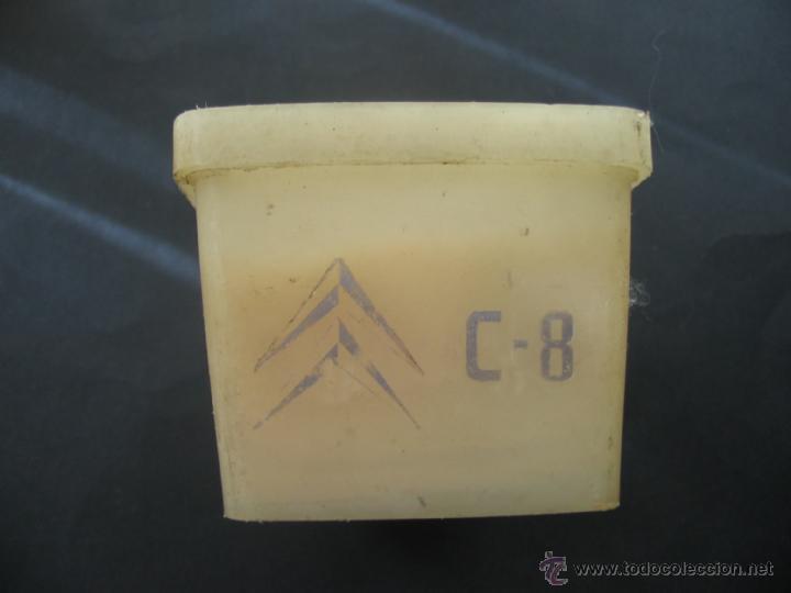 Coches y Motocicletas: Caja bombillas recambio Metal Mazda.Citroen C8.Años 70. - Foto 2 - 41693191