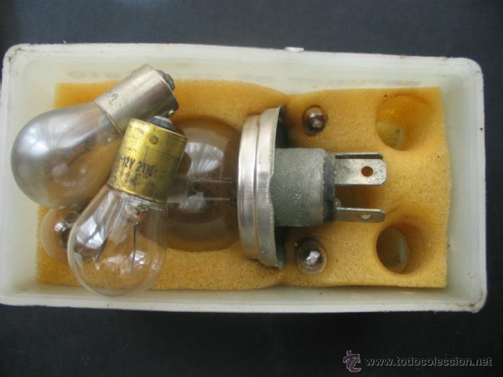 Coches y Motocicletas: Caja bombillas recambio Metal Mazda.Citroen C8.Años 70. - Foto 4 - 41693191