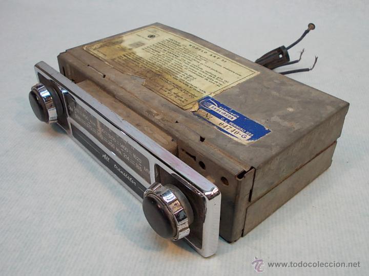 RADIO DE COCHE AÑOS 60, FUNCIONANDO (Coches y Motocicletas - Repuestos y Piezas (antiguos y clásicos))