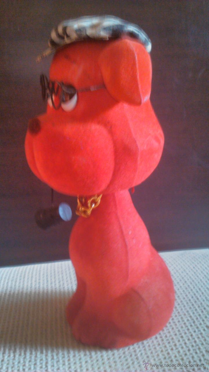 Coches y Motocicletas: Fantástico perro de cabeza balancín. Plástico forrado con terciopelo rojo. Raro de ver. - Foto 3 - 45222709