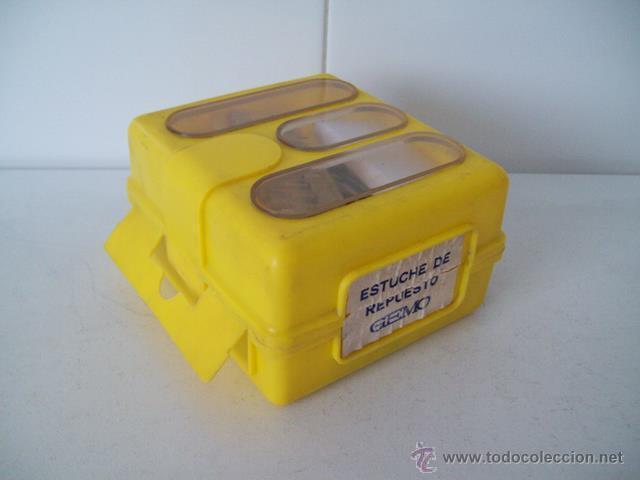 Coches y Motocicletas: Vieja caja con bombillas y fusibles para coche / automóvil - Foto 3 - 45424912