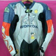Coches y Motocicletas: MOTOCICLISMO MONO OFICIAL MOTORISTA HONDA DREAM DORSAL 95 RATETA MONTMELÓ. Lote 49127520