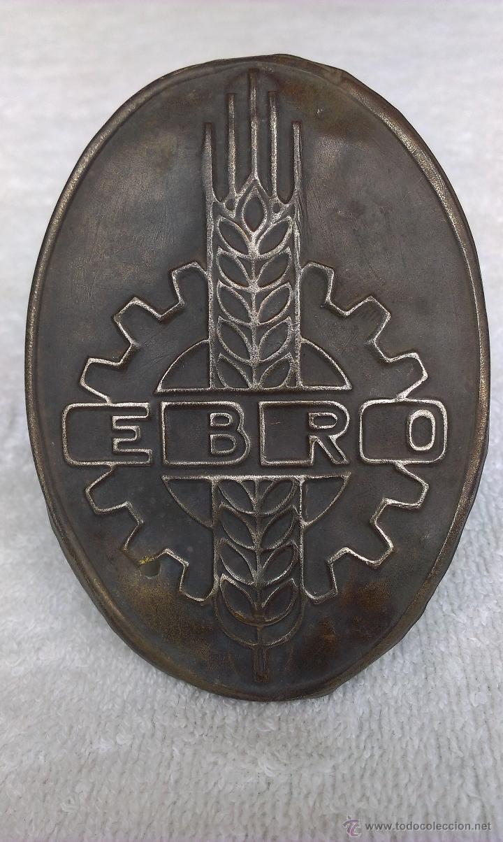 ANTIGUA PLACA DE TRACTOR EBRO (Coches y Motocicletas - Repuestos y Piezas (antiguos y clásicos))