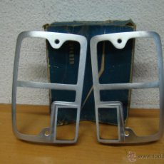 Coches y Motocicletas: PROTECTORES PILOTOS TRASEROS SEAT 133. Lote 51884791