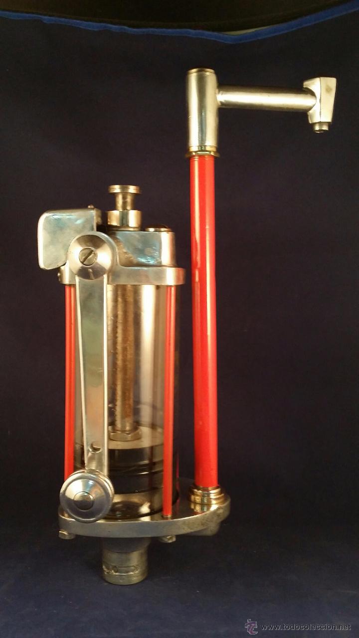 Coches y Motocicletas: Antiguo dispensador de aceite de motor Autocesorios Harry Walker - Funciona - Foto 2 - 52407370