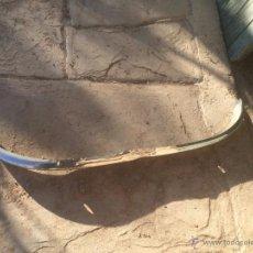 Coches y Motocicletas: ANTIGUO PARACHOQUES / PARAGOLPES DE SEAT SEISCIENTOS 600 DE LOS AÑOS 40-50 DE HIERRO NIQUELADO. Lote 53775179