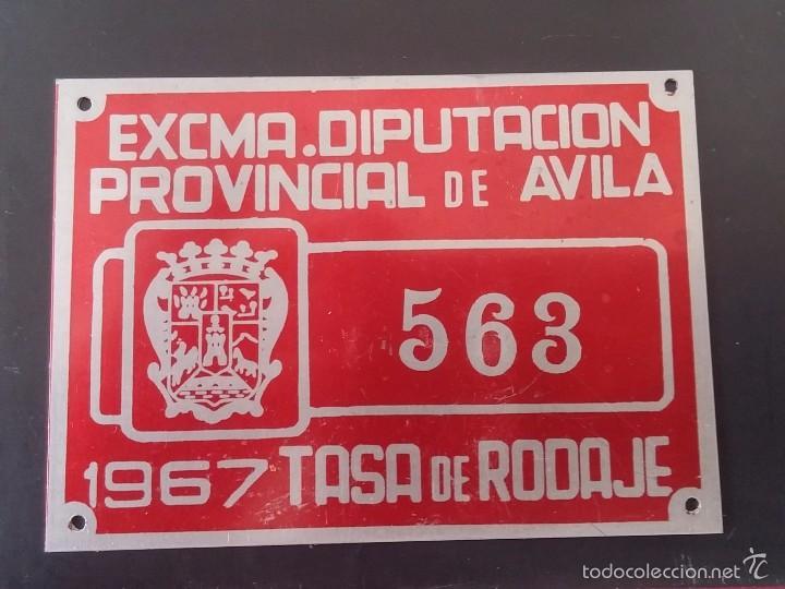 DIPUTACION DE AVILA, MATRICULA O TASA DE RODAJE AÑO 1967, MIDE 10 X 6,5 CMS. REALIZADA EN CHAPA. (Coches y Motocicletas - Repuestos y Piezas (antiguos y clásicos))