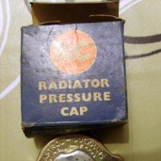 Coches y Motocicletas: AC - TAPÓN RADIADOR / RADIATOR PRESSURE CAP PN 143393 // 7966646. Lote 60998243