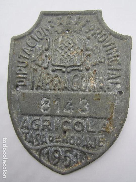 CHAPA DE ARBITRIO , TASA DE RODAJE AGRICOLA , TARRAGONA 1951 (Coches y Motocicletas - Repuestos y Piezas (antiguos y clásicos))