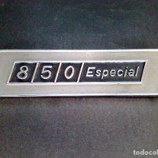 Coches y Motocicletas: ANTIGUA CHAPA DE COCHE 850 ESPECIAL-COLECCIONABLE (13CMS.X 3,5CMS.). Lote 69945161
