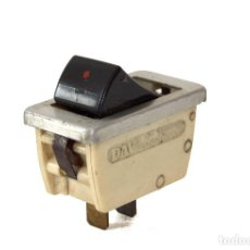 Coches y Motocicletas: INTERRUPTOR DAV DE COCHE PARA RENAULT O PEUGEOT - SWITCH 6A 250V MADE IN FRANCE. Lote 75813415