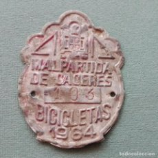 Coches y Motocicletas: MATRÍCULA BICICLETA MALPARTIDA DE CÁCERES 1964. Lote 79566425