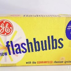 Coches y Motocicletas: ANTIGUAS BOMBILLAS DE COCHES GENERAL ELECTRIC. FLASHBULBS 5B. 12 BLUE BULBS. Lote 94019855