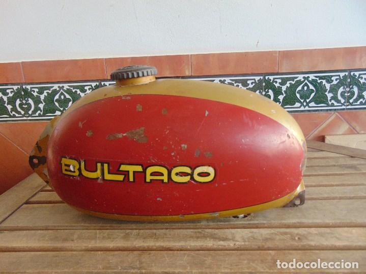 DEPOSITO CON TAPON Y LLAVE DE GASOLINA DE LA MOTO MOTOCICLETA BULTACO (Coches y Motocicletas - Repuestos y Piezas (antiguos y clásicos))