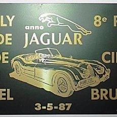 Coches y Motocicletas: CHAPA METÁLICA CONMEMORATIVA DEL 8º RALLYE DEL CIRCUITO DE BRUSELAS. AÑO JAGUAR, 1987.. Lote 97084991