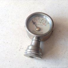 Coches y Motocicletas - Medidor de presión para automóviles marca Luftdruckprufer. Made in Germany - 98567514