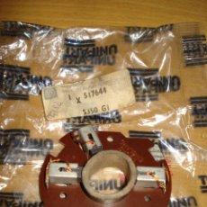 Coches y Motocicletas: UNIPART - CONTACTOS MOTOR LIMPIAPARABRISAS / BRUSH GEAR WIPER MOTOR PN 517644 (TRIUMPH). Lote 98867215