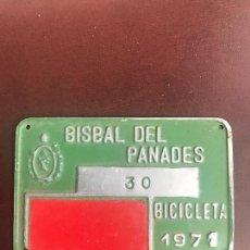 Coches y Motocicletas: ANTIGUA MATRÍCULA DE BICICLETA , LA BISBAL DEL PENEDES, TARRAGONA 1963.. Lote 106196911