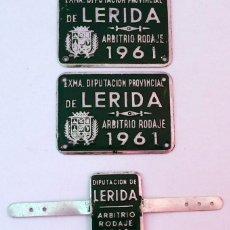 Coches y Motocicletas: CHAPAS PLACAS ARBITRIO RODAJE DIPUTACIÓN PROVINCIAL DE LERIDA 1961. Lote 107905235