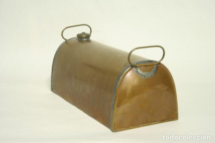 Coches y Motocicletas: Calentador de pies para el coche. Deposito de agua en cobre. Made in England. XIX Victoriano - Foto 2 - 109036223