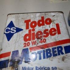 Coches y Motocicletas: LATA ANTIGUA DE ACEITE MOTIBER DE CS. Lote 110695368