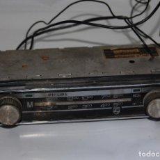 Coches y Motocicletas: AUTO RADIO COCHE CLASICO - PHILIPS 30 RN 386/01 1970. Lote 112091615