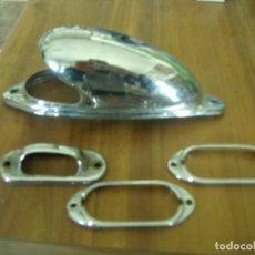 Coches y Motocicletas: LOTE 4 EMBELLECEDORES MOLDURAS PILOTO FARO LUCES AUTOMOVIL CLASICO. Lote 112980703