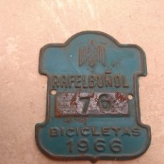 Coches y Motocicletas: MATRÍCULA BICICLETA AÑO 1966 RAFELBUÑOL - VALENCIA. Lote 117840131