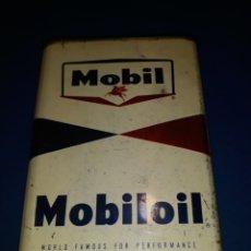 Coches y Motocicletas: ANTIGUA LATA ACEITE AMERICANA MOBIL MOBILOIL 1 GALÓN. Lote 118737863