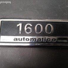 Coches y Motocicletas: CHAPA ANTIGUA DE SEAT 1600, PLASTICO CROMADO, ORIGINAL VINTAGE. Lote 119113811