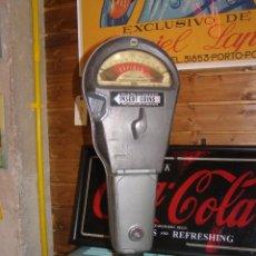 Coches y Motocicletas: PARQUÍMETRO AMERICANO A MONEDAS. RUSEVILLE, ARKANSAS (USA-EEUU). ORIGINAL. CON PEDESTAL.. Lote 119489879