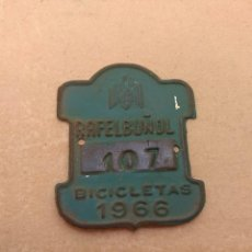 Coches y Motocicletas: MATRÍCULA BICICLETA AÑO 1966 RAFELBUÑOL - VALENCIA. Lote 120210955