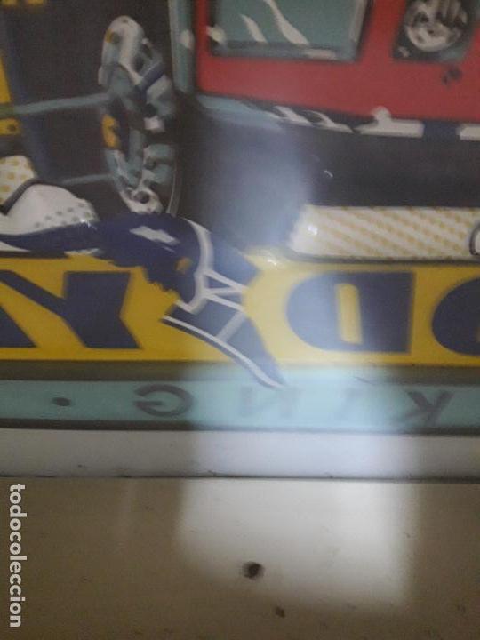 Coches y Motocicletas: CARTEL LUMINOSO CON SOPORTE PARA CAMION . GOOD YEAR - TRUCKING TEAM . AÑOS 60 / 70 - Foto 15 - 120335391
