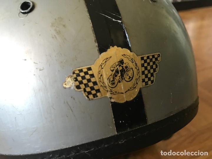Coches y Motocicletas: Antiguo casco de plástico - Foto 2 - 126244232